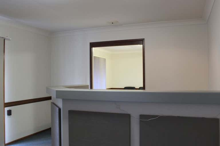907 Ruthven Street Kearneys Spring QLD 4350 - Image 3
