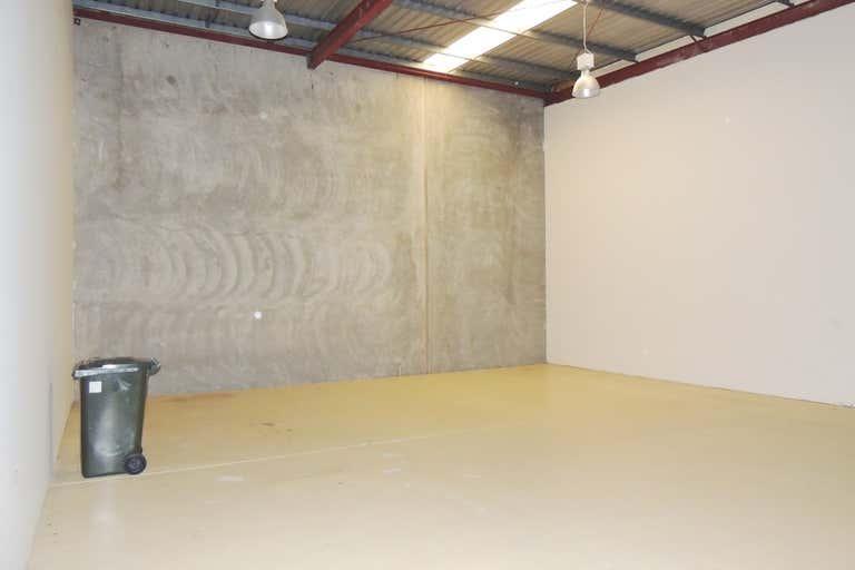 2/49 Jijaws Street Sumner QLD 4074 - Image 2