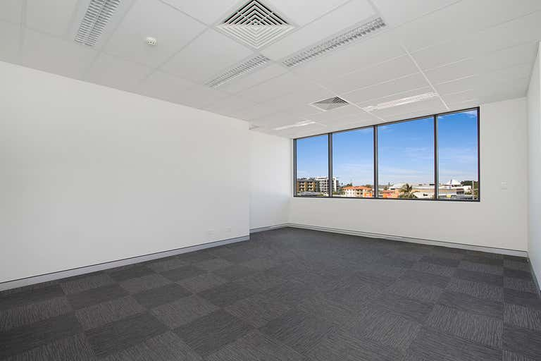 22 / 75 Wharf Street Tweed Heads NSW 2485 - Image 4