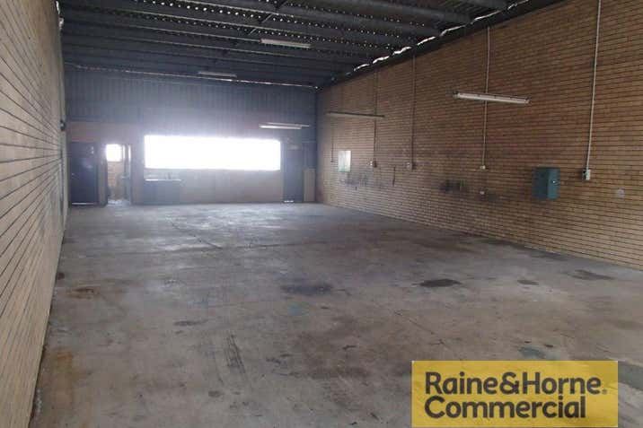 9/28 Bangor Street Archerfield QLD 4108 - Image 3