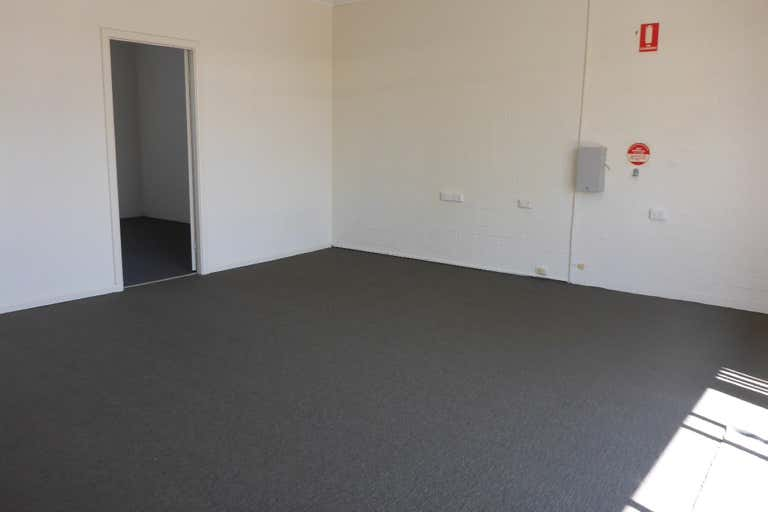 Unit 4, 146 Lake Road Port Macquarie NSW 2444 - Image 4