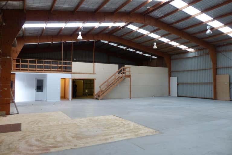 2/517 Dallinger Road Lavington NSW 2641 - Image 2