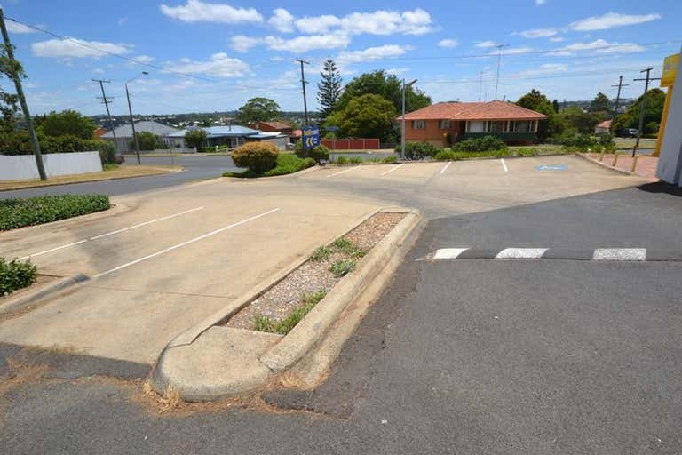 Shop 17 / 8 Hume Street North Toowoomba QLD 4350 - Image 3