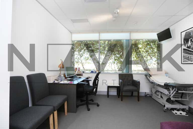 4106/834 Pittwater Road Dee Why NSW 2099 - Image 4