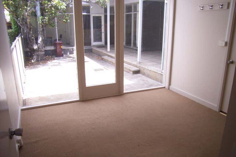 1/251 Latrobe Terrace Geelong VIC 3220 - Image 3