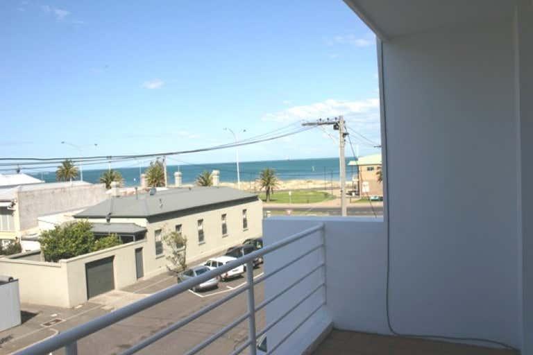 19 Johnston Street Port Melbourne VIC 3207 - Image 2