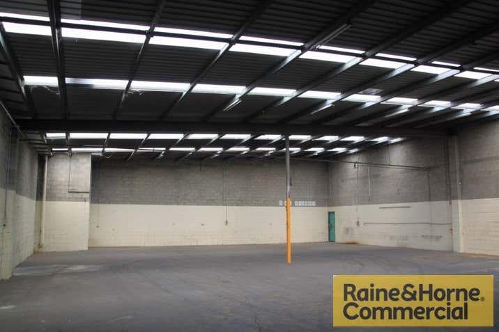 2/25 Parramatta Road Underwood QLD 4119 - Image 1