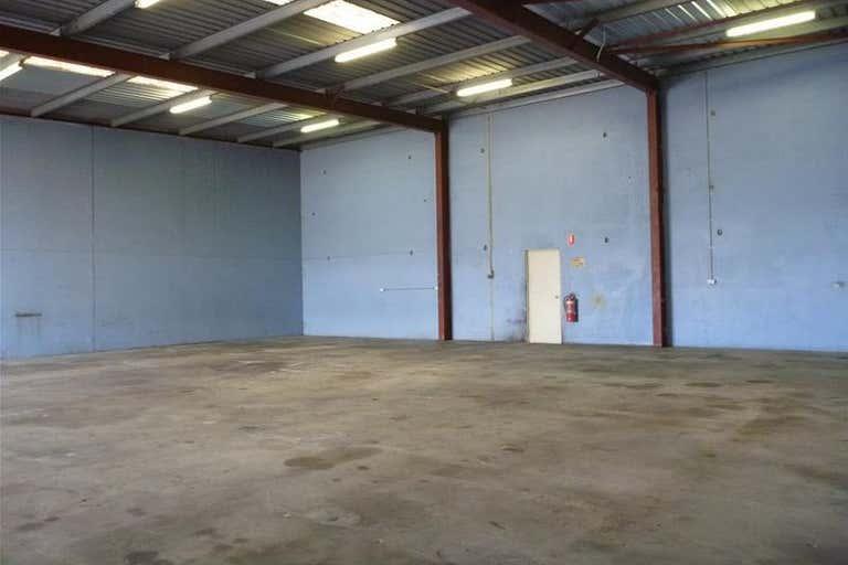3/7 Elmsfield Road Midvale WA 6056 - Image 1