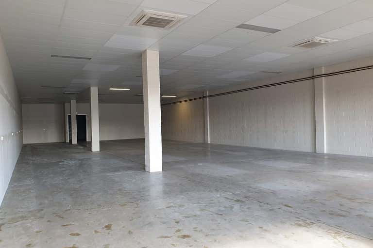 3A/13 Upton Street Bundall QLD 4217 - Image 3