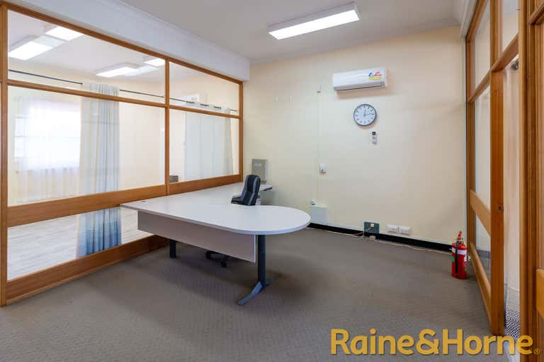 Suite 4/116 Macquarie Street Dubbo NSW 2830 - Image 2
