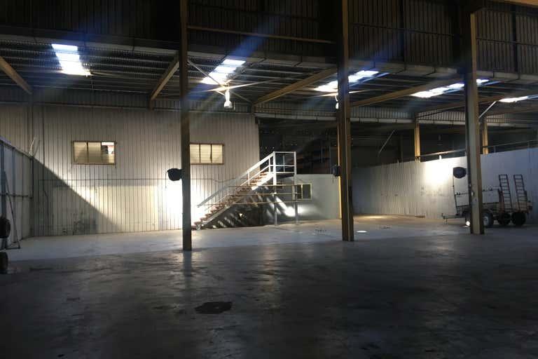 3B/138 Enterprise Bundaberg West QLD 4670 - Image 4