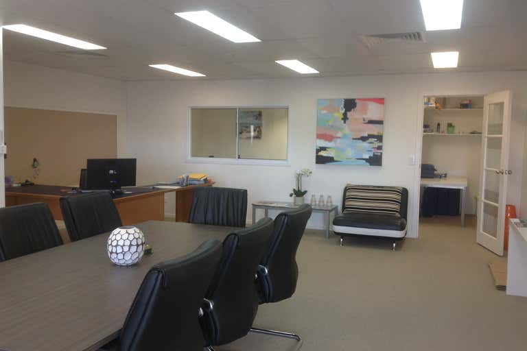 12/6-8 Grice Ave Paradise Point QLD 4216 - Image 2
