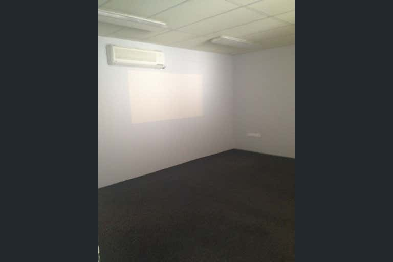 Suite 5, 54 Gregory Street Mackay QLD 4740 - Image 3