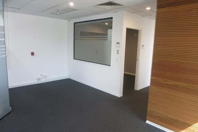 Ground, 1A/ 34 Thomas Drive Chevron Island QLD 4217 - Image 2