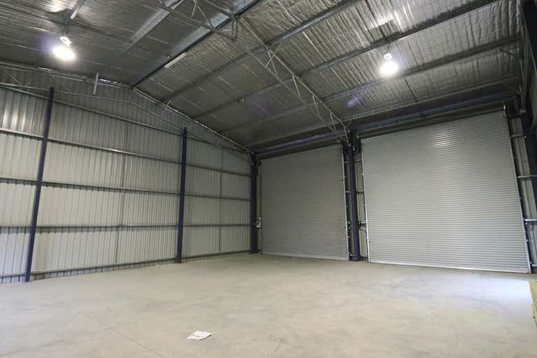 2/30 Annette Crescent Lavington NSW 2641 - Image 3
