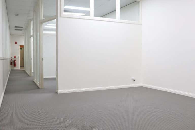 Shop 2, 243 Margaret Street Toowoomba City QLD 4350 - Image 2