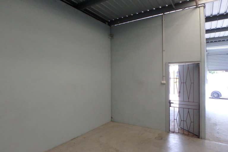 2/127-129 Bulimba Street Bulimba QLD 4171 - Image 3