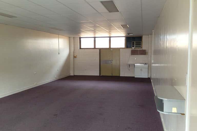 9/9 Maryborough Street Bundaberg Central QLD 4670 - Image 4