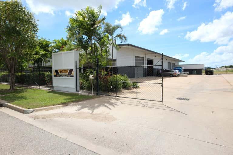 Unit 1/49 Webb Drive Mount St John QLD 4818 - Image 1