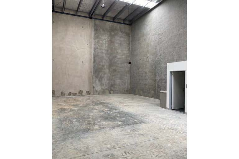 8/56-58 Eucumbene Drive Ravenhall VIC 3023 - Image 3