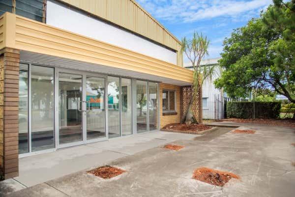 2 & 3/ 310 Fison Avenue Eagle Farm QLD 4009 - Image 4