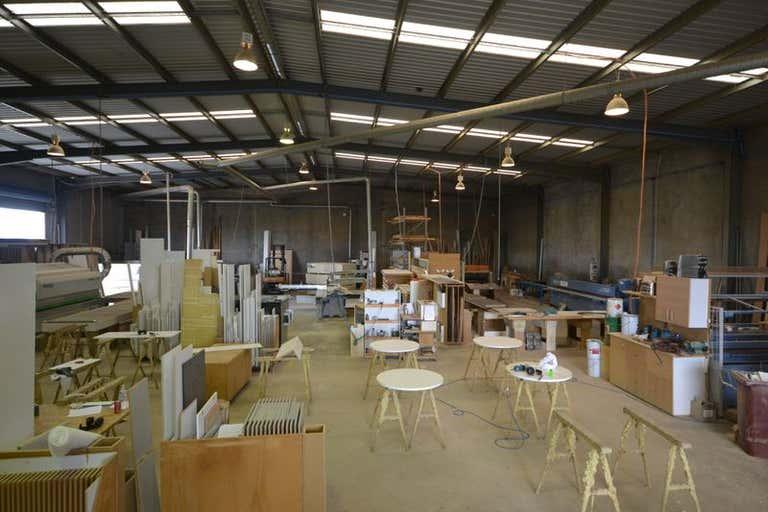 9 Tradewinds Court Glenvale QLD 4350 - Image 3