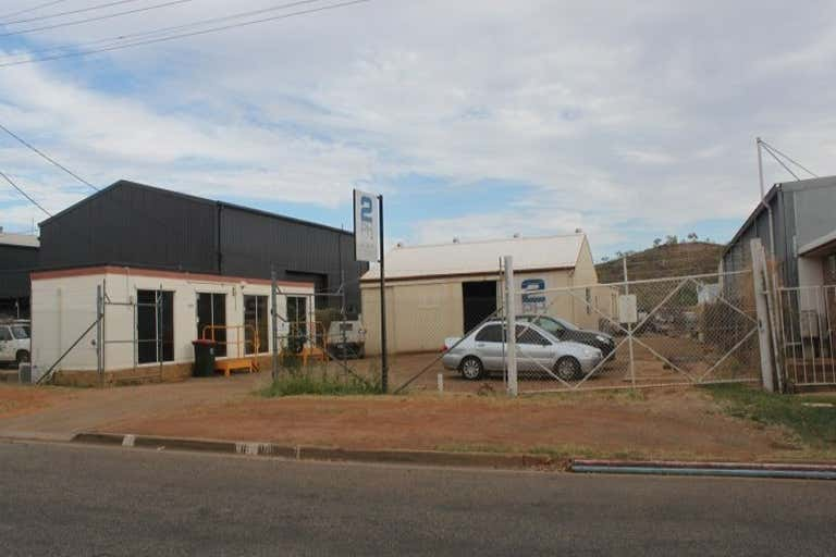 17 Commercial Road Mount Isa QLD 4825 - Image 1