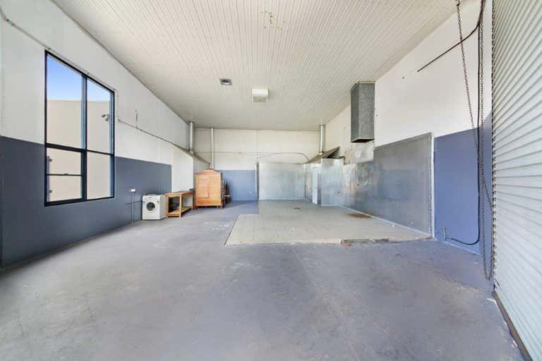 2/4 Olympic Circuit Southport QLD 4215 - Image 4