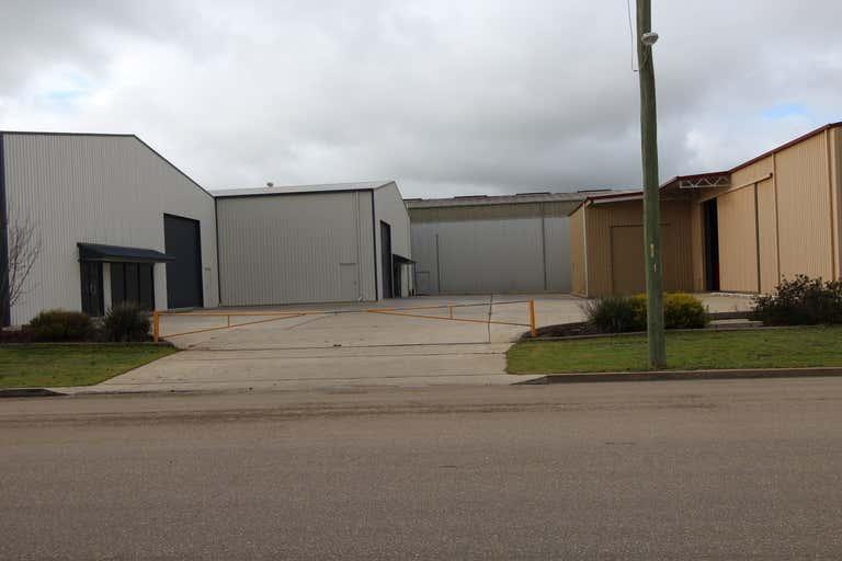 3/303 Copland Street Wagga Wagga NSW 2650 - Image 3