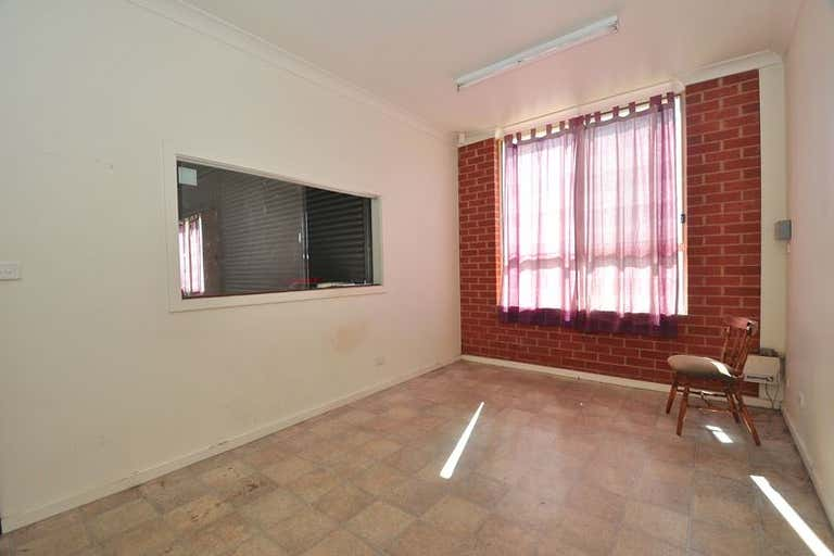 233 Woodward Road Golden Square VIC 3555 - Image 4