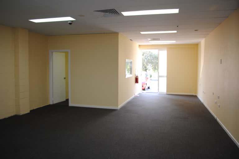 4C/21 Mayes Avenue Logan Central QLD 4114 - Image 2