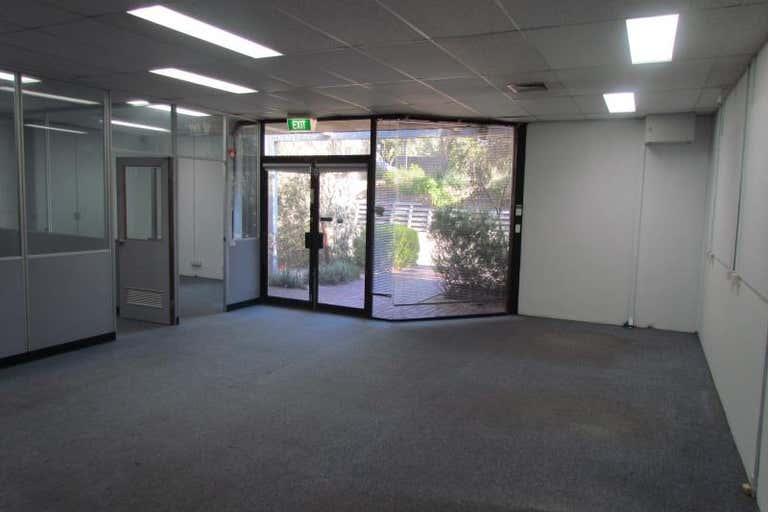 Unit 5, 104 FERNTREE GULLY ROAD Oakleigh VIC 3166 - Image 2