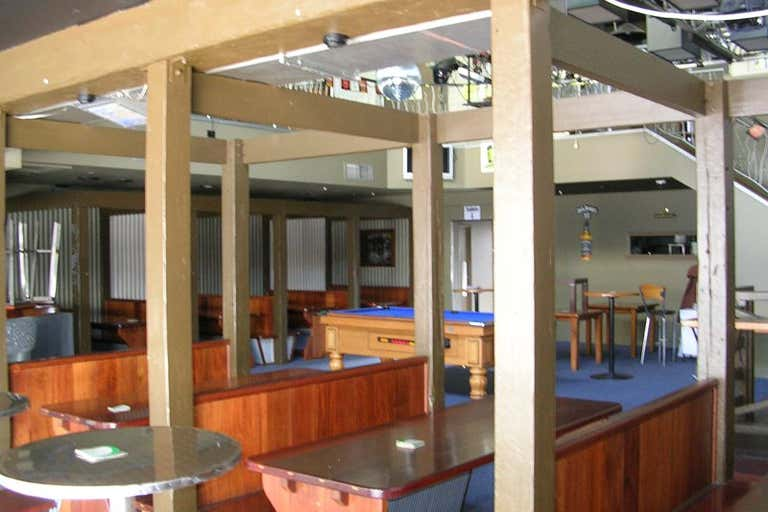 The Boulevard Tavern, 3120 Surfers Paradise Boulevard Surfers Paradise QLD 4217 - Image 4