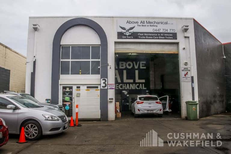 3/3 Hutchinson Street Burleigh Heads QLD 4220 - Image 2