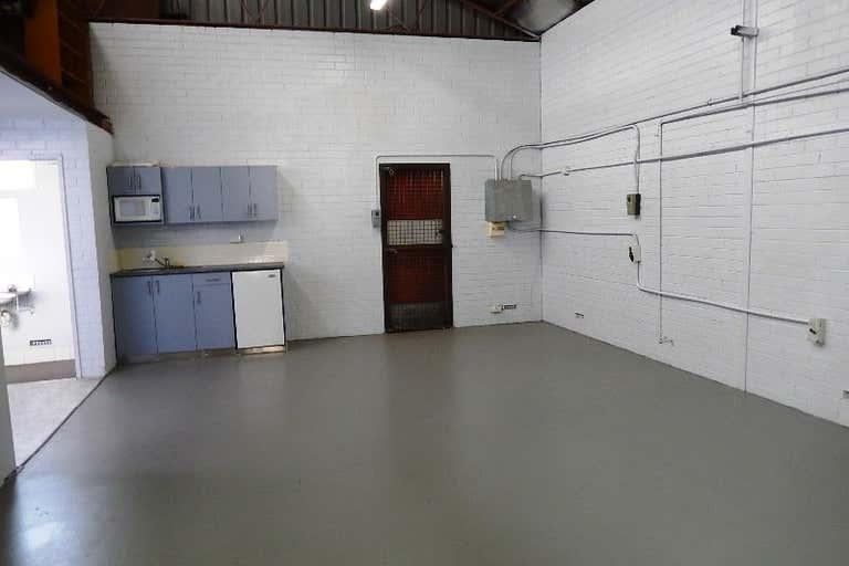 Unit 8, 98 President Street Welshpool WA 6106 - Image 3