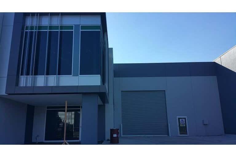 19 Latitude Boulevard Thomastown VIC 3074 - Image 1