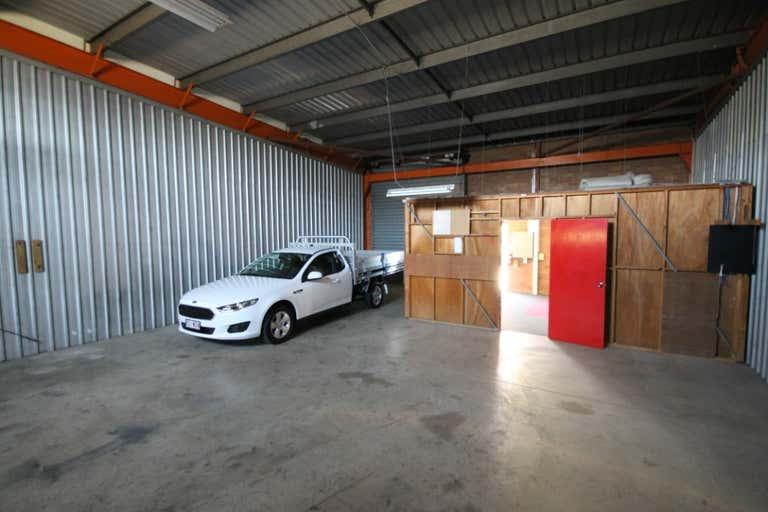 Unit 2, 76 Andrew Street Wynnum QLD 4178 - Image 4