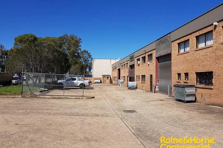 Unit 2, 7 Devon Road Ingleburn NSW 2565 - Image 4