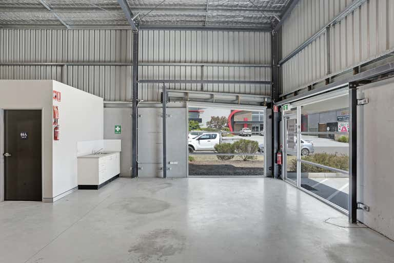 2/2 Sabre Close Rutherford NSW 2320 - Image 1