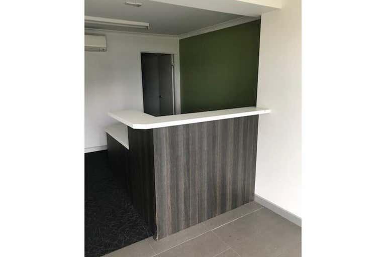 7/14 Hospital Road Emerald QLD 4720 - Image 1