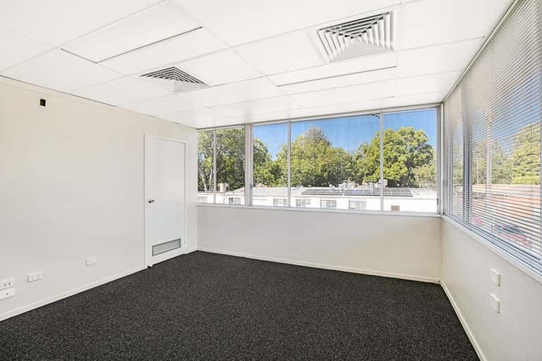 8B Bell Street Toowoomba City QLD 4350 - Image 4