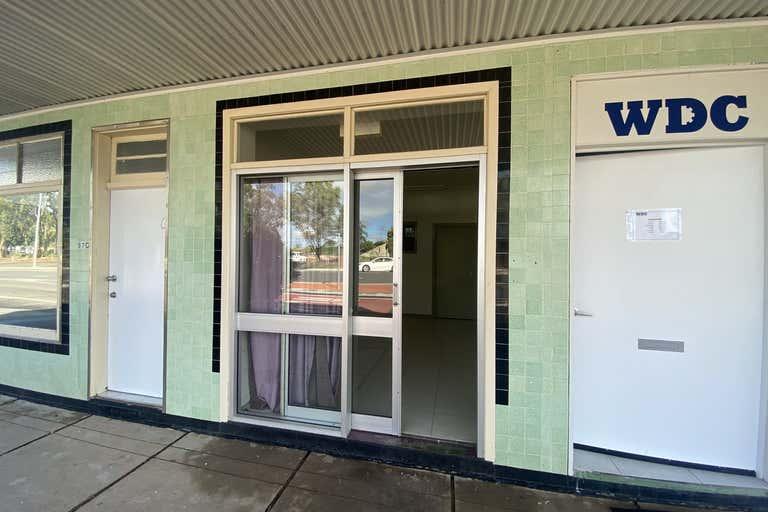 2/97 Chinchilla St Chinchilla QLD 4413 - Image 2