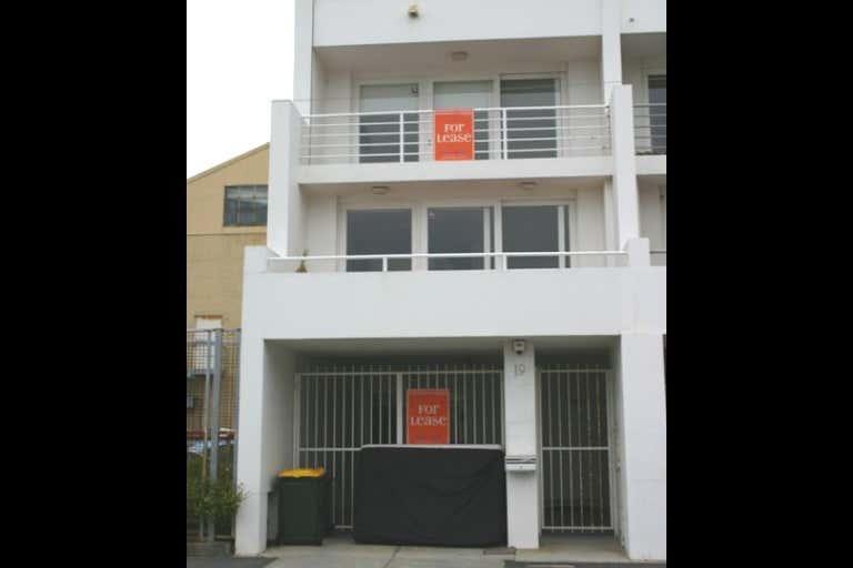 19 Johnston Street Port Melbourne VIC 3207 - Image 1