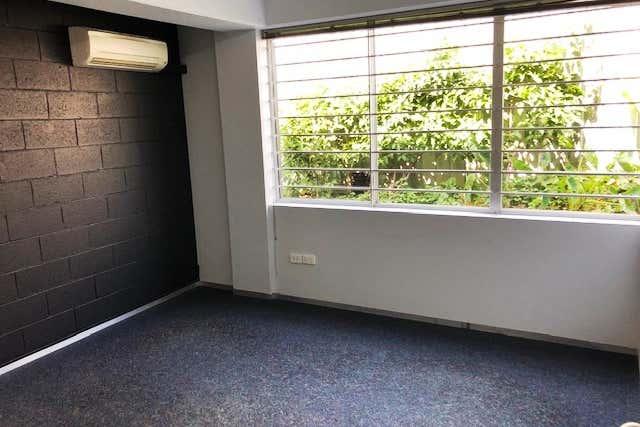 4/9 Frinton Street Southport QLD 4215 - Image 2