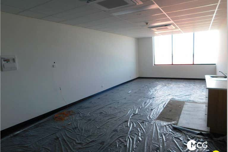 Level 2, Suite 219/ 1510 Pascoe Vale Road Coolaroo VIC 3048 - Image 4