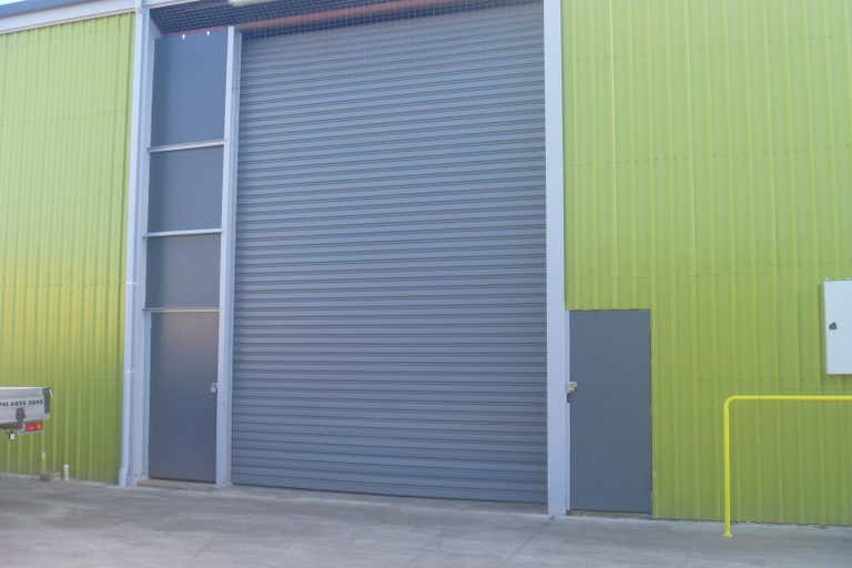 2/5 Toohey Street Portsmith QLD 4870 - Image 3