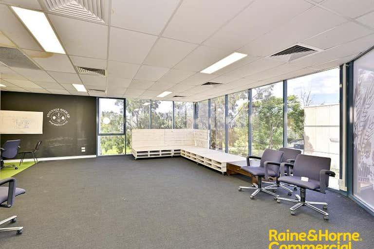 2/41 Topham Road Smeaton Grange NSW 2567 - Image 4