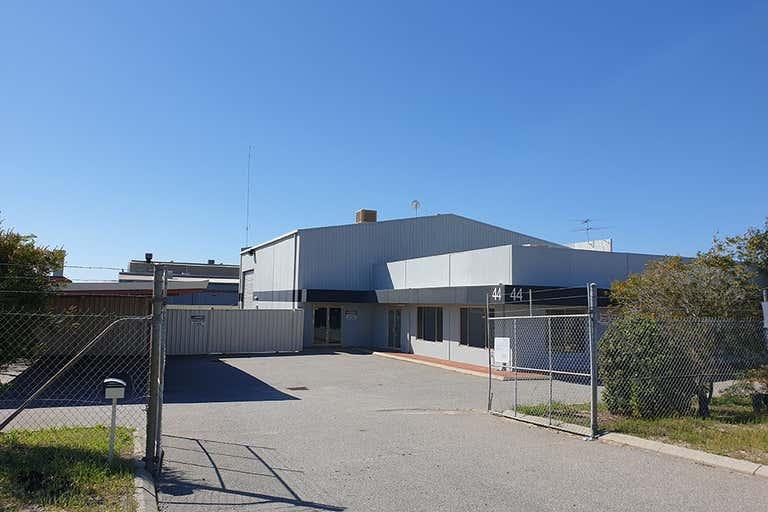 44 Crocker Drive Malaga WA 6090 - Image 2
