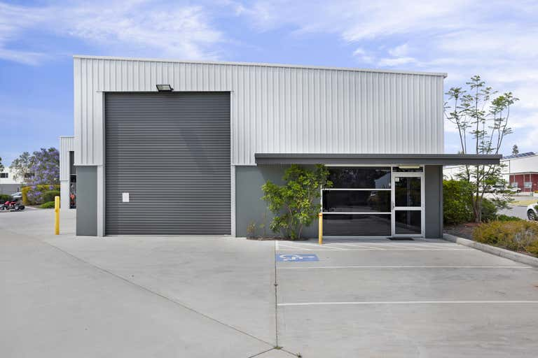 2/2 Sabre Close Rutherford NSW 2320 - Image 2