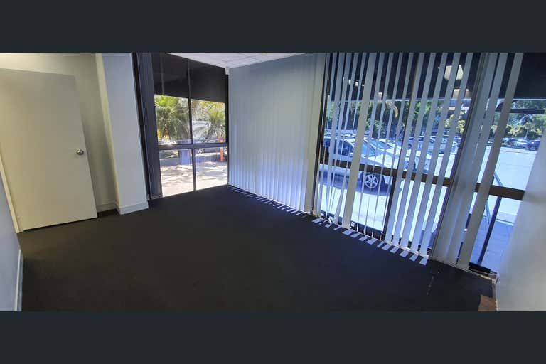25/142 Bundall Road Bundall QLD 4217 - Image 2